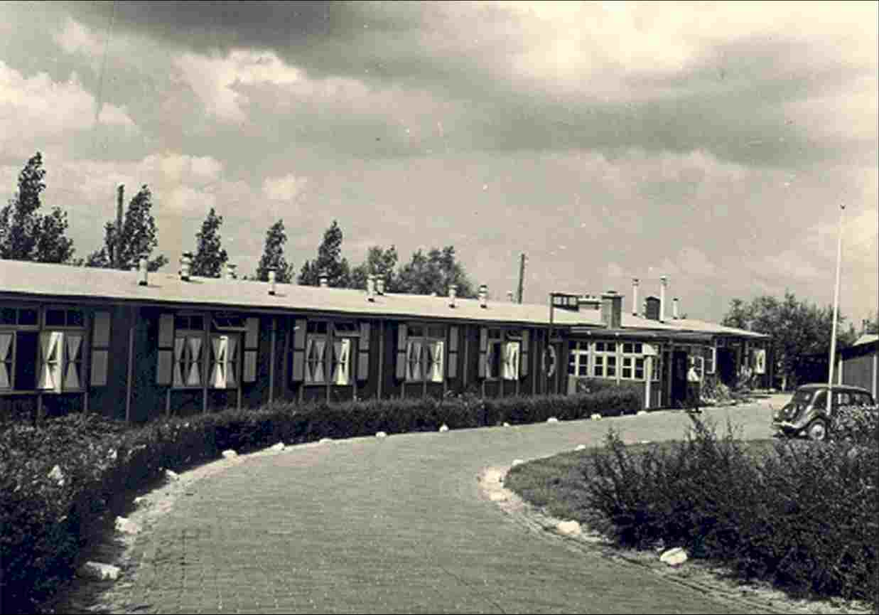 The emergency hospital for the polder workers in Vollenhove until the Dokter J.H. Jansen Hospital was completed in 1967 (1948).