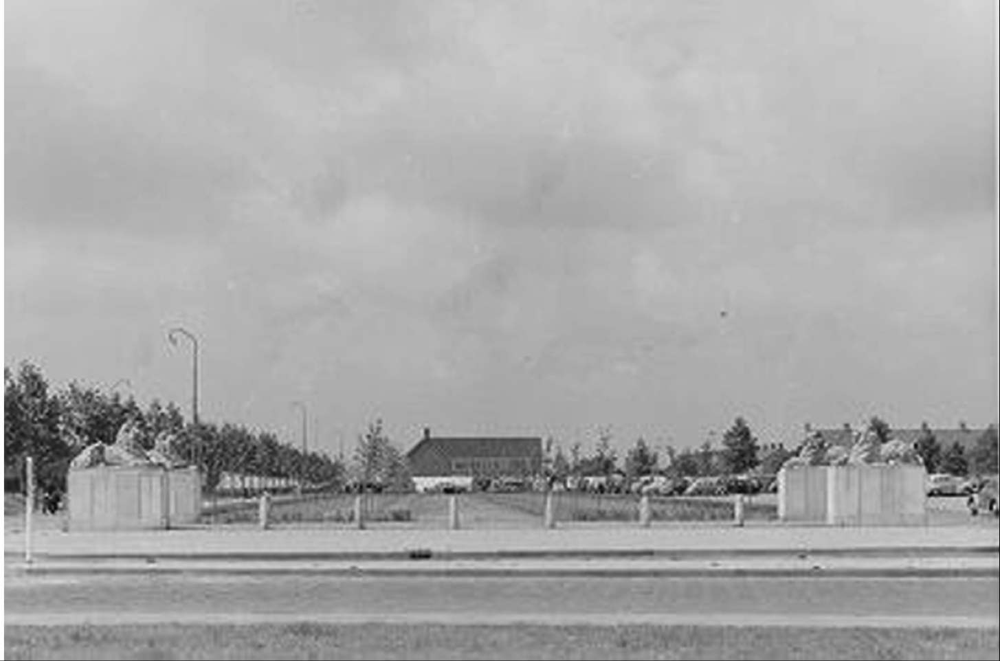 The monument of the four lion statues on De Deel, Emmeloord, 1953.