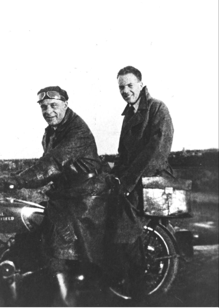 Doctor Marinus Rijken and orderly Steef Oerlemans on a motorcycle. They drove into the polder from Vollenhove to the workers' camps to hold surgery hours, 1943. Mr Rijken started his GP practice in Marknesse in 1949.