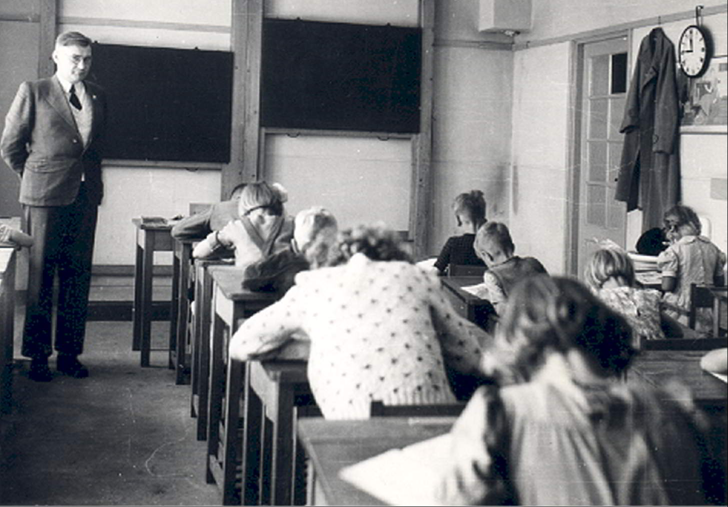 State school in camp II in Ens, opened on 15-04-1943.