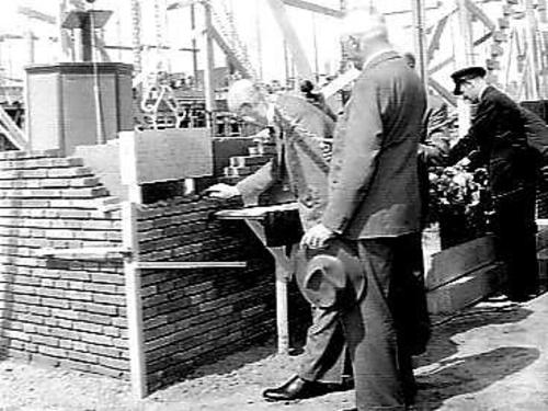 First stone laid by dr. Ir. S. Smeding of the Beursgebouw in Emmeloord, 1953.